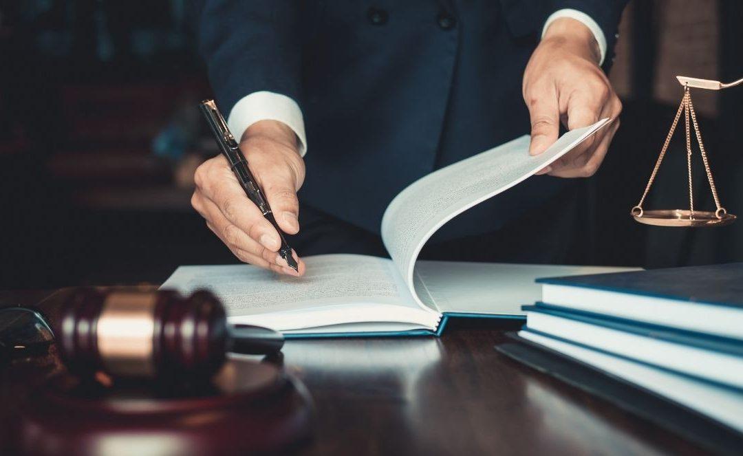 AZIENDE E PRIVATI: E' POSSIBILE RICEVERE UNA CONSULENZA LEGALE